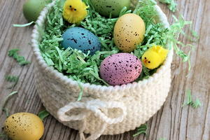 Cute Crochet DIY Easter Basket