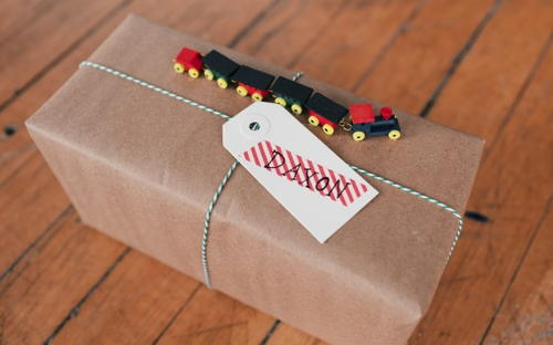 Toy Train Gift Wrapping Ideas Allfreechristmascraftscom