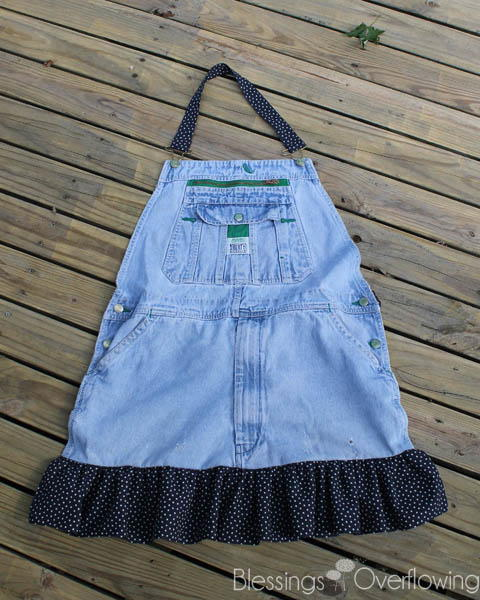 Recycled Overalls DIY Apron