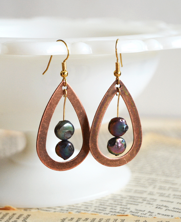 Iridescent Drop DIY Wire Earrings | AllFreeJewelryMaking.com