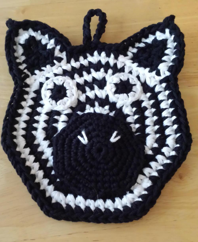 Zig-Zag Zebra Crochet Potholder | FaveCrafts.com