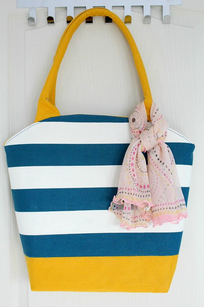 Rounded Tote Bag Pattern | FaveCrafts.com