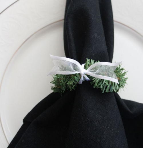 Easy Wreath DIY Napkin Rings
