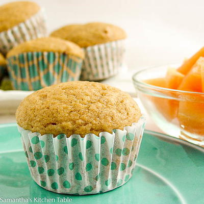 Easy Applesauce Muffins