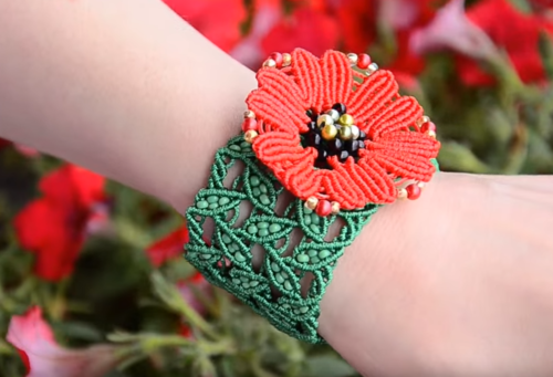 Leaves and poppies macrame bracelet allfreejewelrymaking leaves and poppies macrame bracelet mightylinksfo