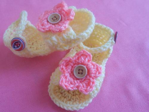 Baby Sandals Crochet Pattern | FaveCrafts.com