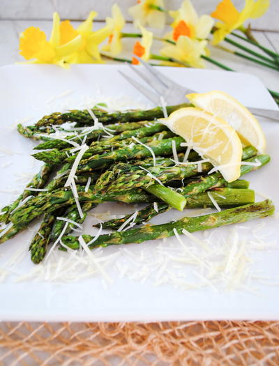 Roasted Asparagus with Garlic, Lemon and Parmesan Cheese