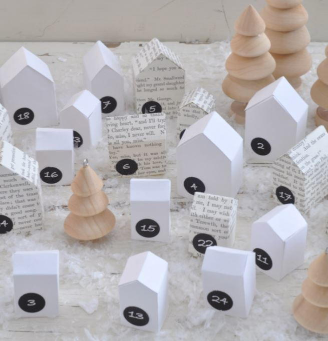 24 Paper Christmas Decorations And Other Christmas Paper Crafts |  AllFreeChristmasCrafts.com