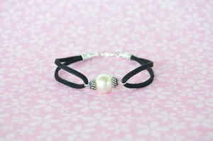 DIY Pearl Bracelets in 2 Ways