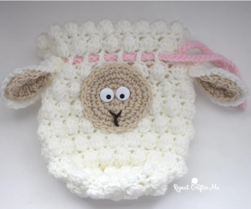 Free Amigurumi Lamb : Fluffy sheep drawstring crochet bag pattern allfreecrochet