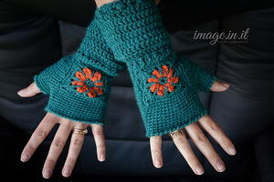 Flower Fingerless Mitts