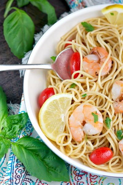 Simple Garlic and Herb Shrimp Pasta