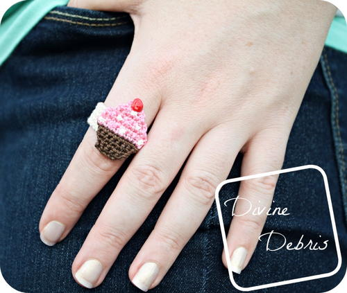Easy Chrissy Cupcake Ring