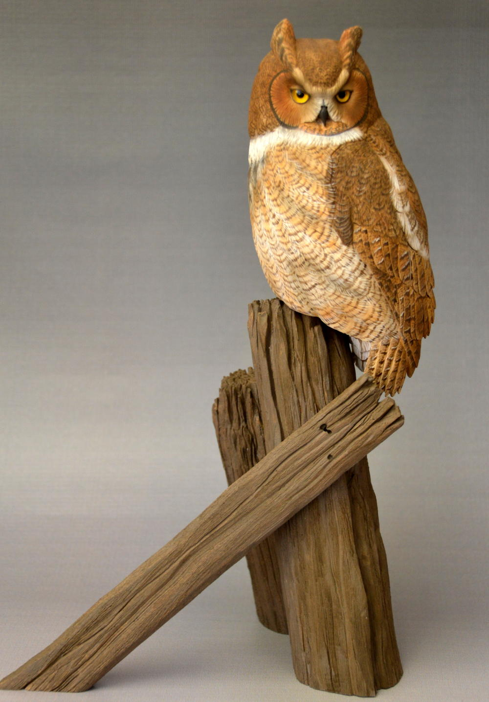 The great horned owl in miniature carving wildfowl