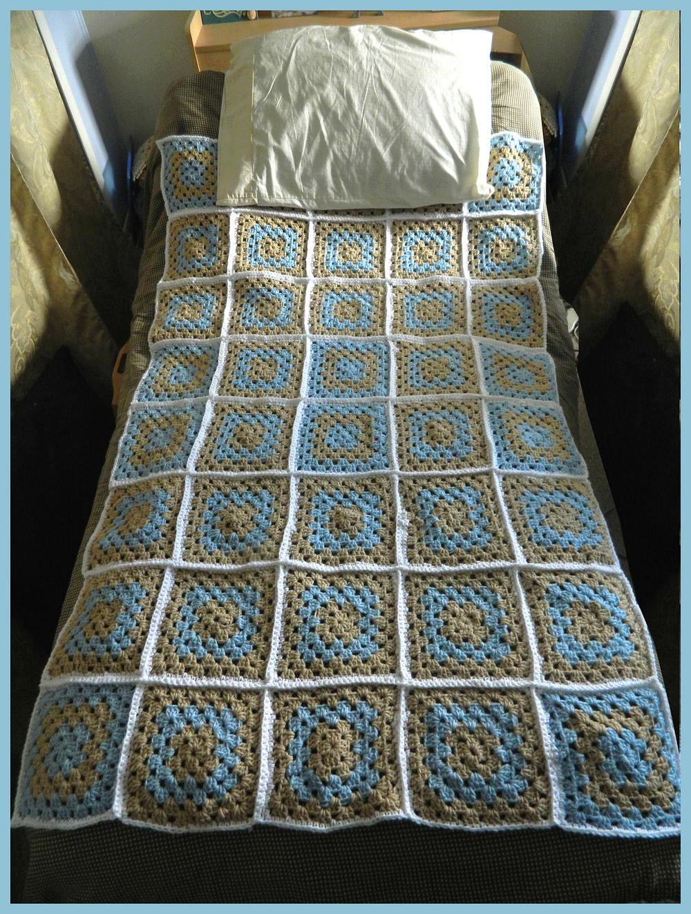 Modern Granny Square Blanket | AllFreeCrochet.com