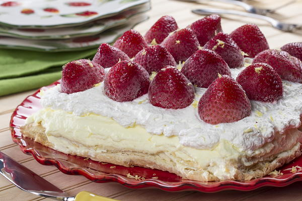 Strawberry-Lemon Cream Puff Cake