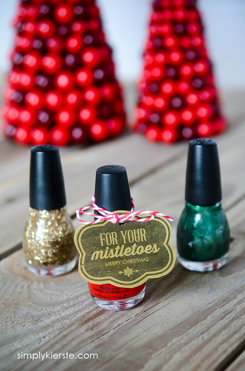 Mistletoe Printable Christmas Tags