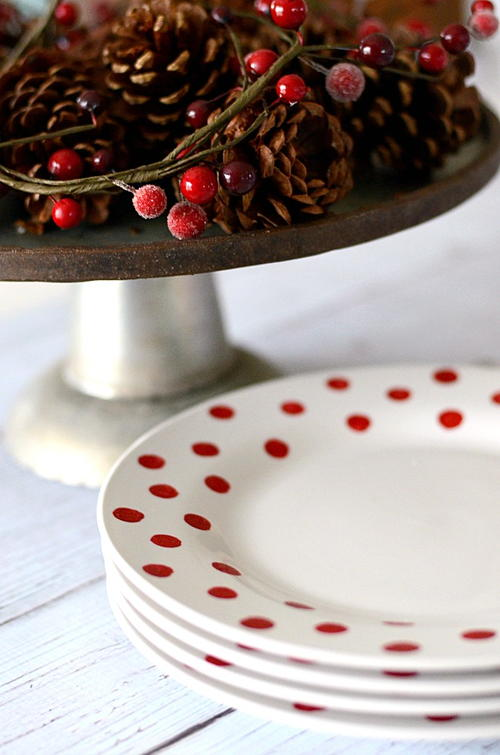 Jolly Dotted DIY Plates