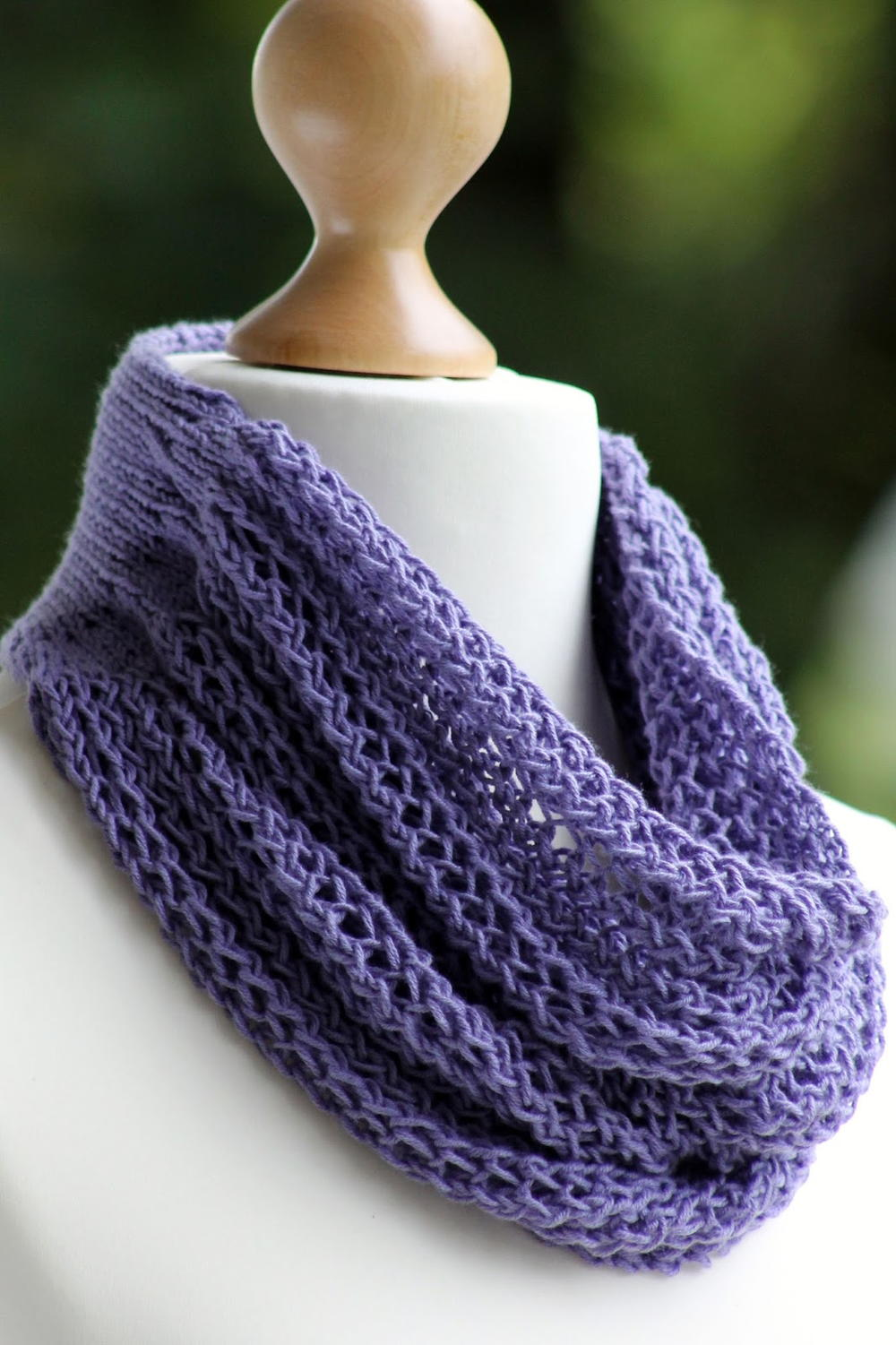 Gorgeous Grape Knit Cowl | AllFreeKnitting.com
