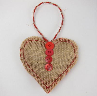 Sweet burlap heart ornament for All free holiday crafts