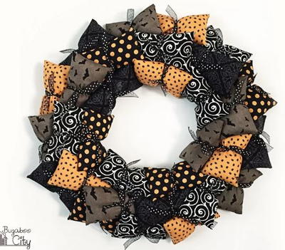 Pillow Wreath Halloween Decoration Idea