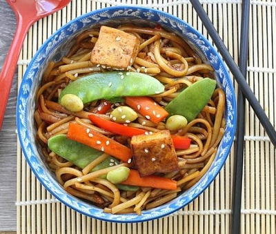 Easy Slow Cooker Vegetable Lo Mein Noodles