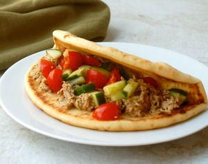 Slow Cooker Greek Chicken Pitas