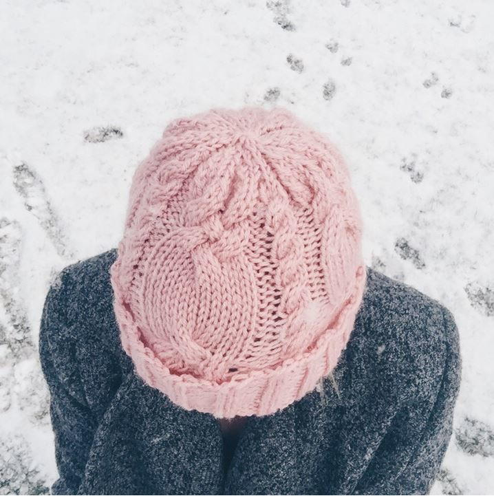 Dusty Rose Cable Hat Allfreeknitting