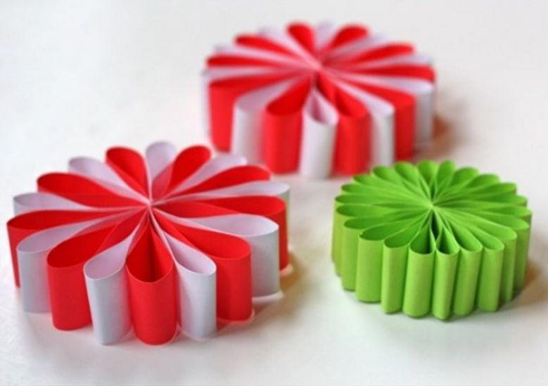 Simple paper flower ornaments allfreechristmascrafts mightylinksfo