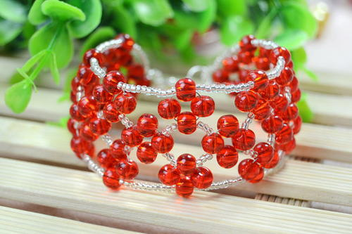 Stunning and Simple Right Angle Weave Bracelet