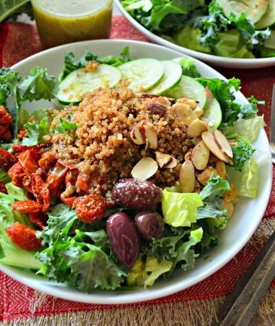 44 Copycat Salad Recipes From Restaurants