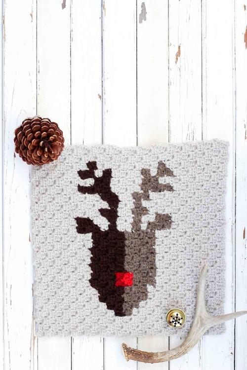 25 Free Christmas Crochet Afghan Patterns | FaveCrafts.com