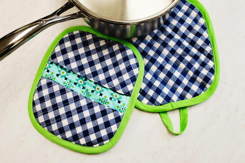 How To Sew Potholders Video Favecrafts