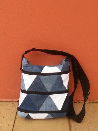 Upcycled Denim Triangle Bag Allfreesewing Com