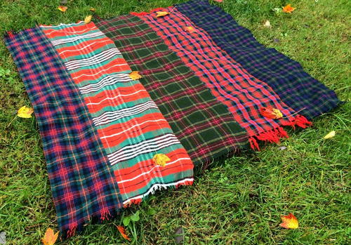 Lovely Autumn DIY Throw Blanket