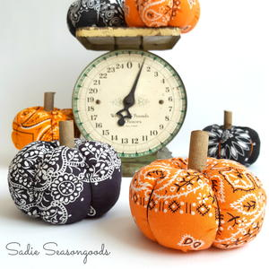 DIY Bandanna Pumpkin Tutorial