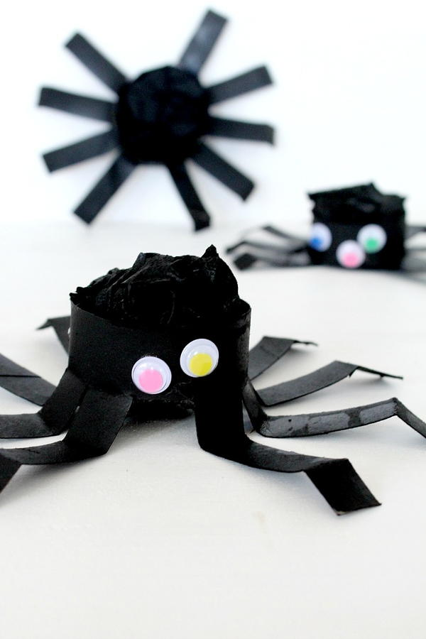 Halloween Spiders Decor DIY Tutorial