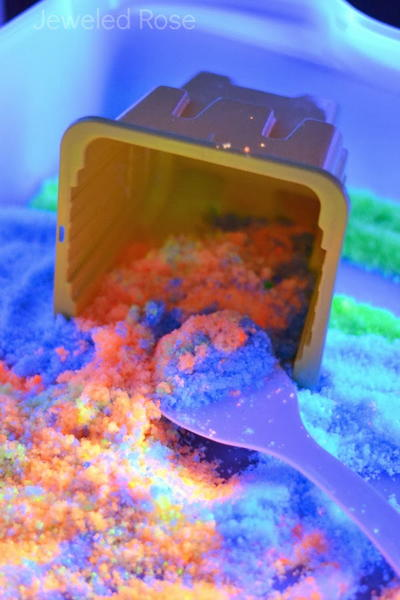 Fun Glow-in-the-Dark Sand Recipe