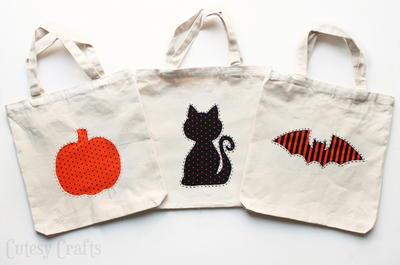 Reverse applique trick or treat bags allfreekidscrafts.com