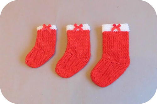 little christmas stockings knitting pattern allfreeknitting com