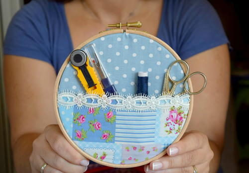Simple Fabric Hoop Pocket