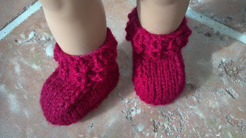 Crocodile Stitch Knitted Baby Booties | FaveCrafts.com