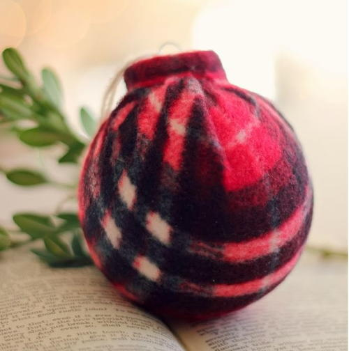 Warm and Cozy DIY Bauble