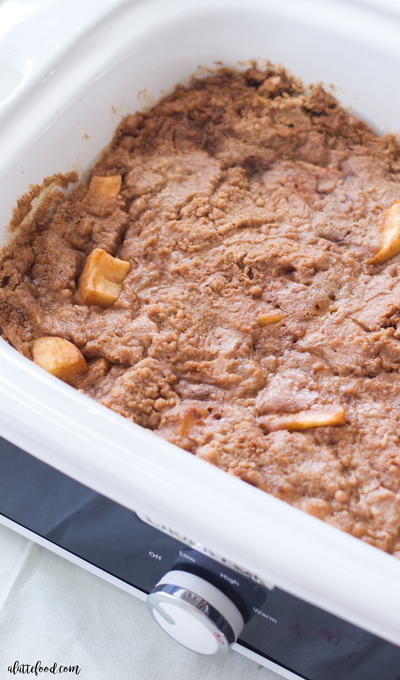 Slow Cooker Apple Dump Cake