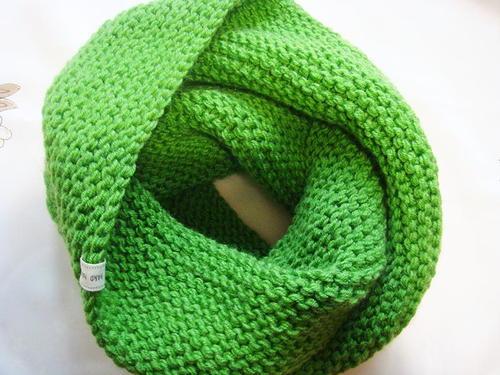 Shamrock Green Infinity Cowl Allfreeknitting