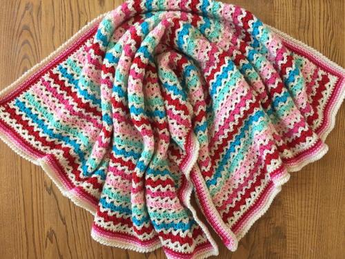 Little Flower Granny V Stitch Blanket Allfreecrochetafghanpatterns