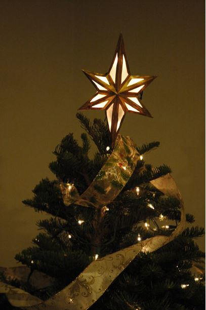 lighted star diy tree topper - How To Make A Christmas Tree Topper