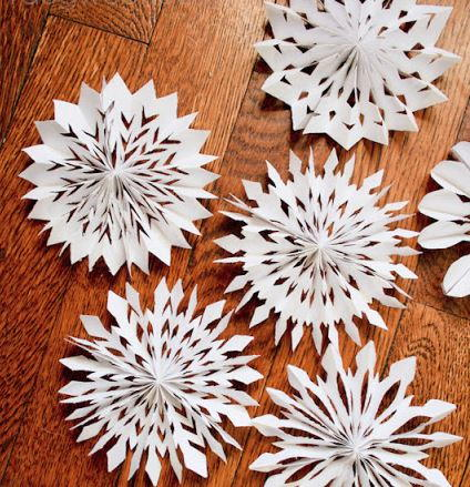 Most Beautiful Medallion Paper Snowflakes  sc 1 st  AllFreePaperCrafts.com & Most Beautiful Medallion Paper Snowflakes | AllFreePaperCrafts.com