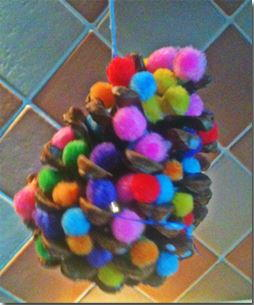 Quick Pine Cone Christmas Trees