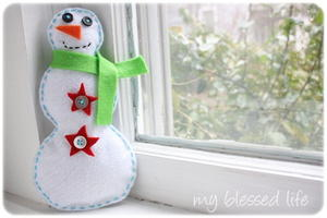 Cute Felt Snowman DIY Winter Decorations